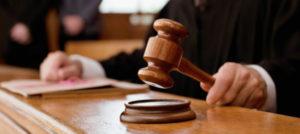 Lee más sobre el artículo Soñar con un juez
