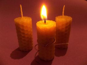 Ritual con velas de miel el día once de cada mes