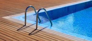 Soñar con una piscina