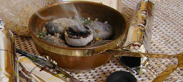 Lee más sobre el artículo Hierbas para quemar en tus rituales de limpieza