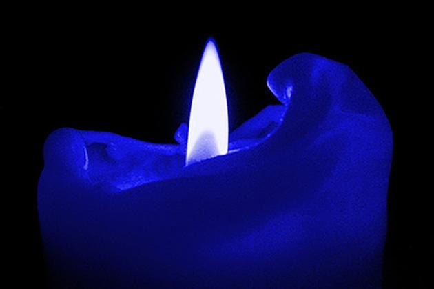 Velas azul oscuro en rituales