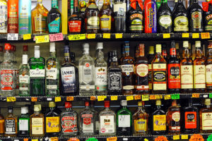 Lee más sobre el artículo Soñar con alcohol