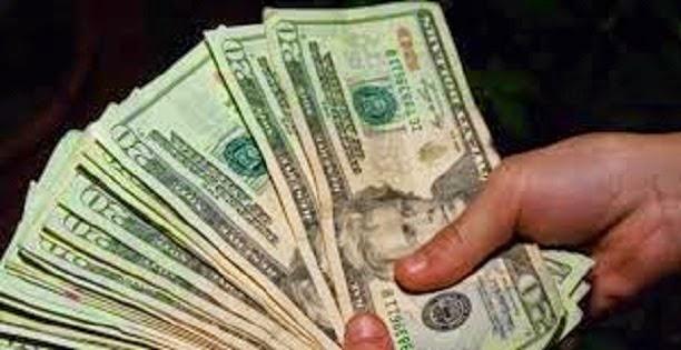 Soñar con ingresos económicos (dar o recibirlos)