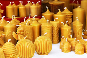 Rituales para atraer el amor con velas de miel