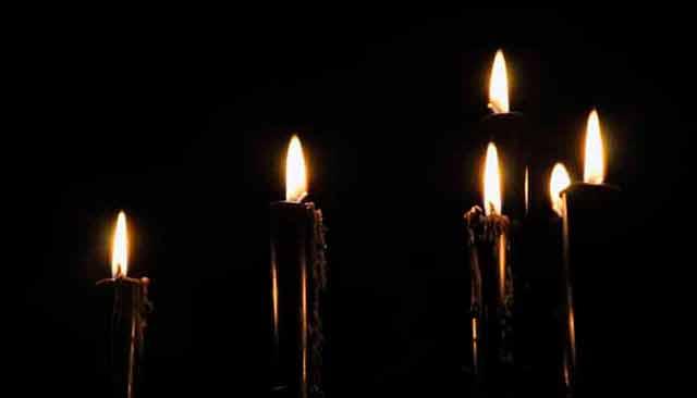 Ritual con velas para eliminar la negatividad en el hogar