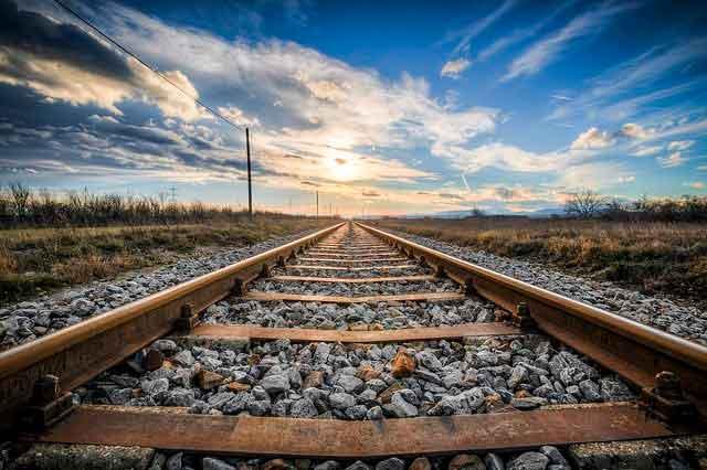 Soñar con un tren lejano
