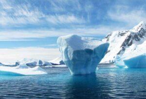 Lee más sobre el artículo Soñar con un iceberg