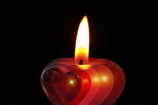 Significado de las velas con forma de corazón